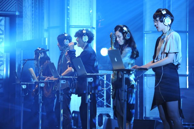 news_xlarge_sakanaction_livemonster_02.jpg