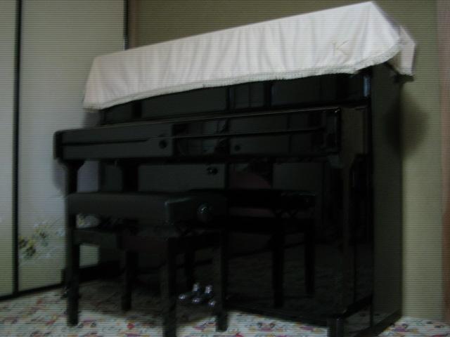 アップライトのピアノです♪