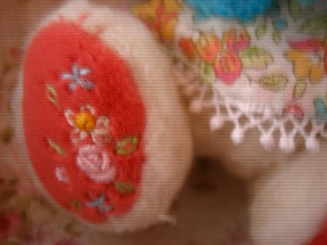 右足の刺繍も可愛いよ