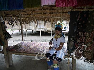 チェンライ 首長族の村
