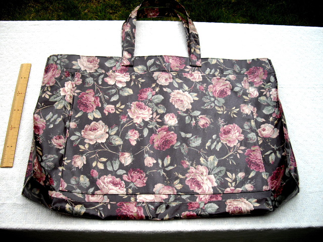 刺繍枠の入るバッグ