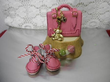 P7190309_convert_20130719162725ショップ用ピンクトランクと靴