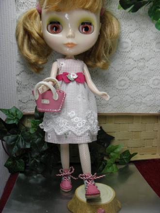 P7240346_convert_20130724183000はなさんピンク靴とバッグ
