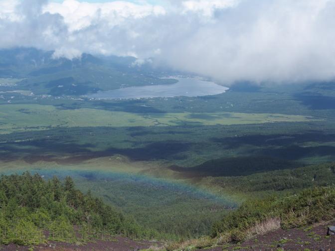山中湖に虹