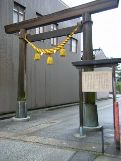 魚津神社 001