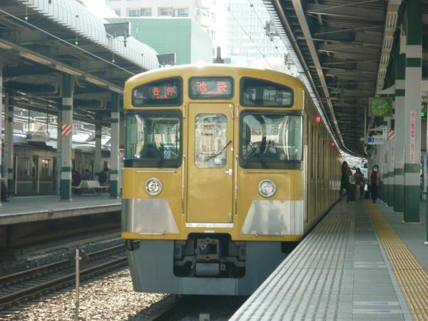 西武2083F 各停池袋行き 2013-04-13