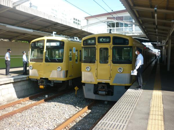 西武271F+281F 2525F 並び2 2012-10-21