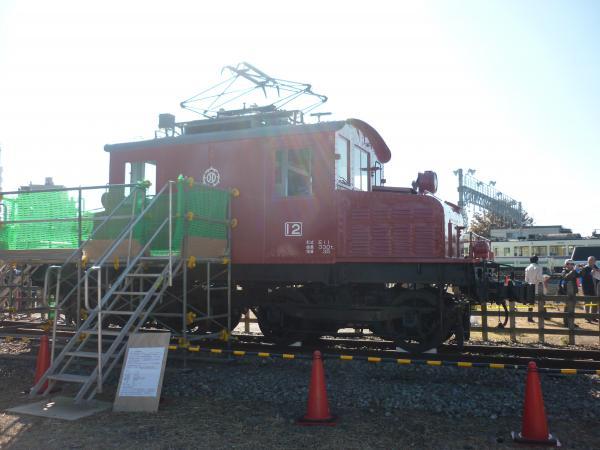 西武E12 側面写真 2012-11-25