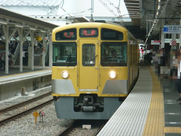 2013-06-15 西武2083F 各停池袋行き