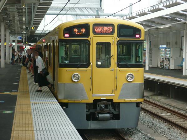 2013-08-12 西武2057F 各停西武新宿行き
