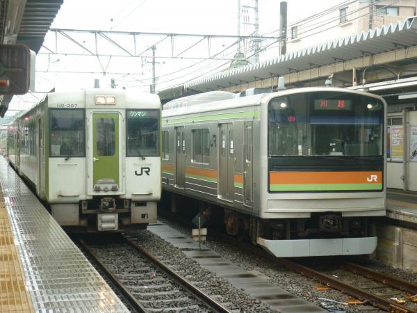 2013-08-25 八高線205系ハエ82編成 川越行き キハ110形 高崎行き
