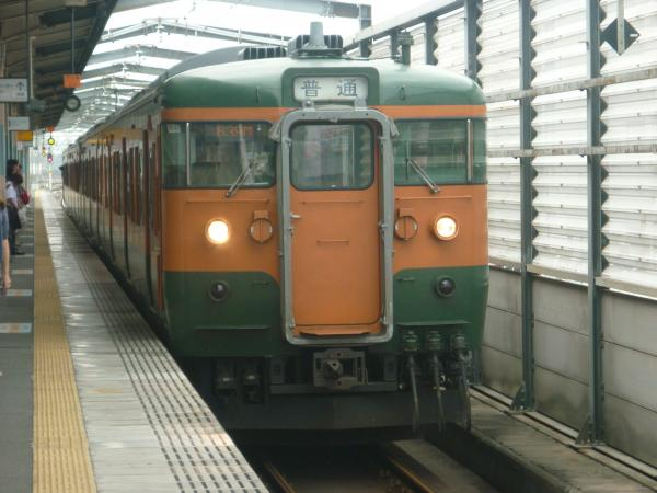 2013-08-25 髙タカ115系 伊勢崎行き