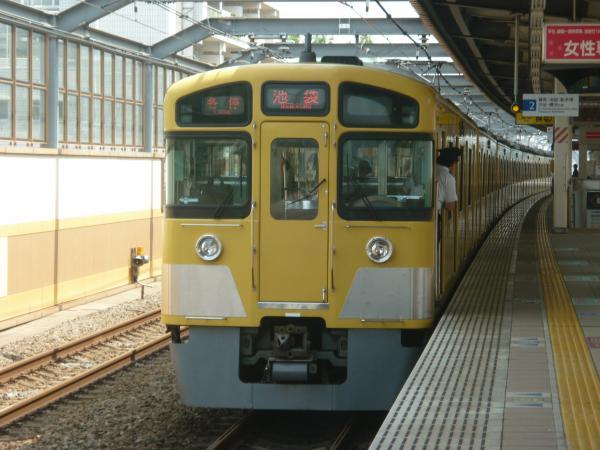 2013-08-29 西武2085F 各停池袋行き2