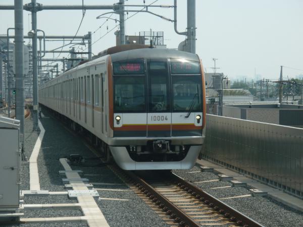 2013-08-30 メトロ10104F 快速急行小手指行き1