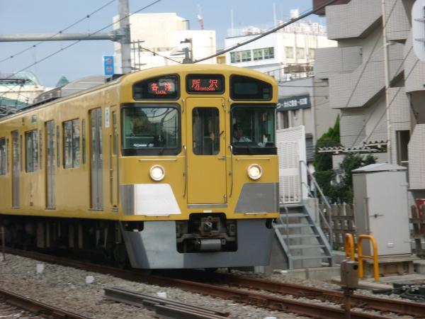 2013-09-28 西武2073F 各停所沢行き