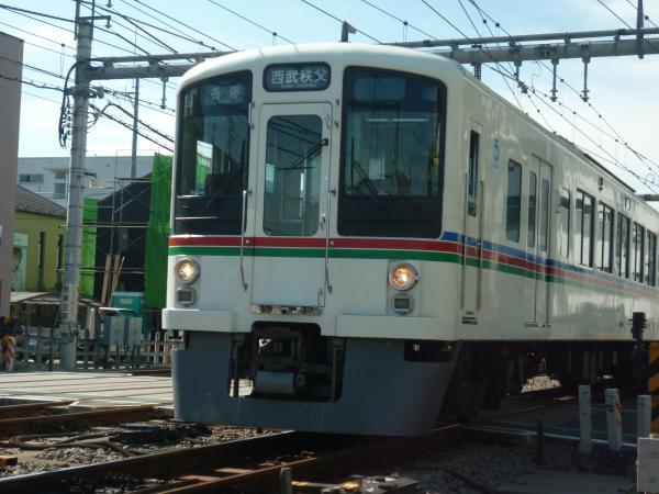 2013-09-28 西武4015F+4003F 各停西武秩父行き3