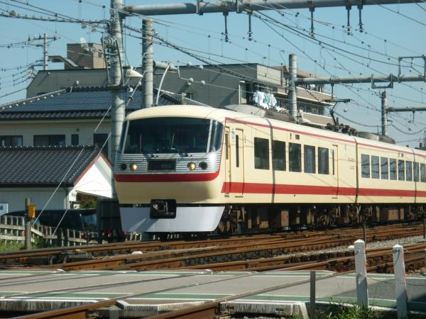 2013-09-28 西武10105F 特急池袋行き1