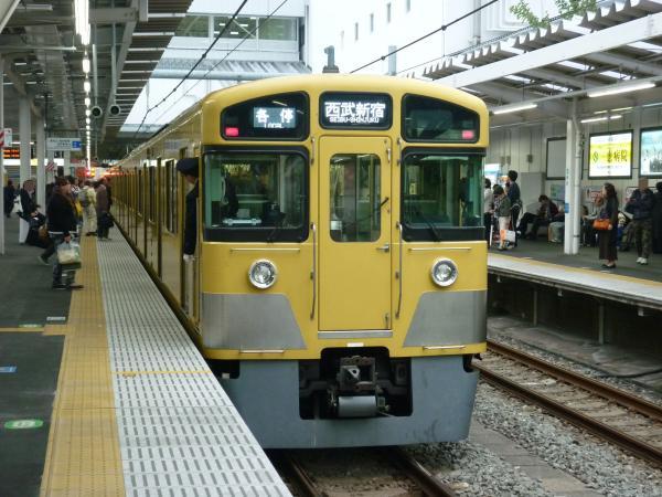 2013-10-19 西武2059F 各停西武新宿行き