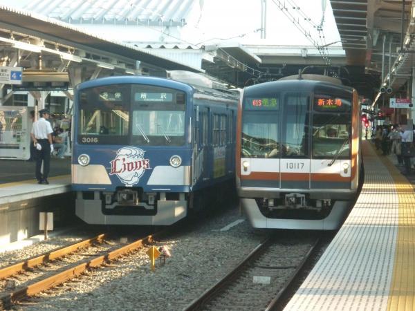 2013-08-19 西武3015F 各停所沢行き メトロ10117F 準急新木場行き