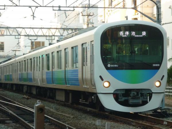 2013-11-20 西武38109F 各停池袋行き