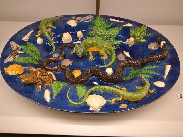 パリ 蛇皿