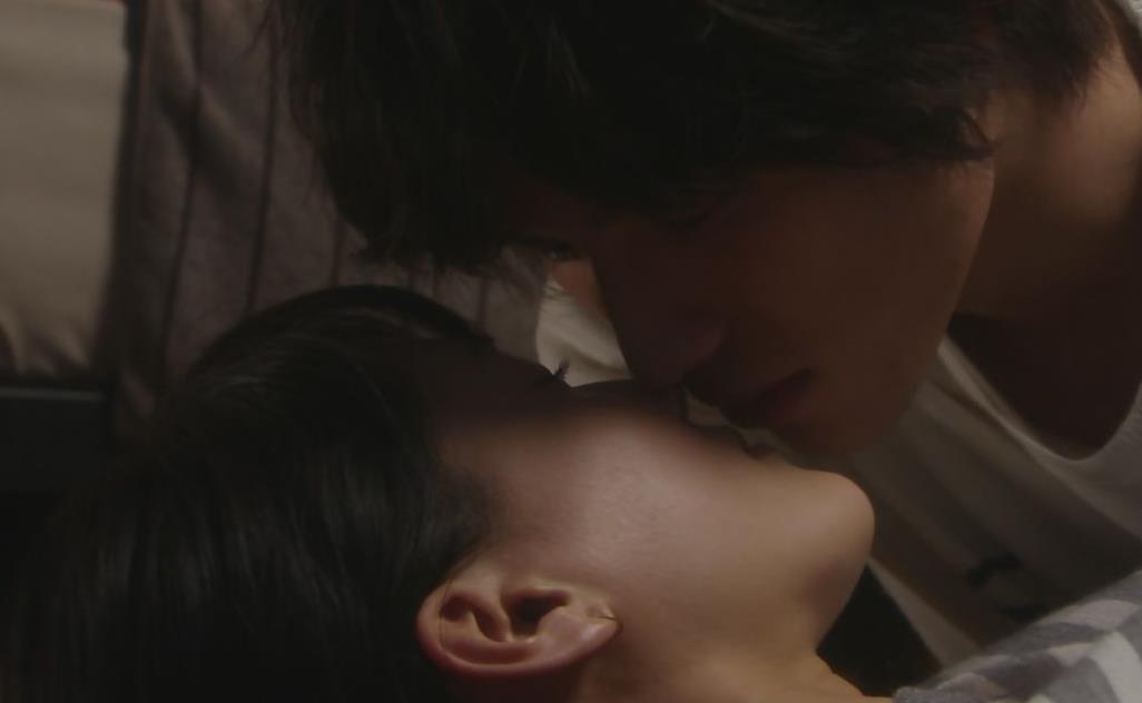 綾瀬はるか 横乳キャプ・エロ画像3