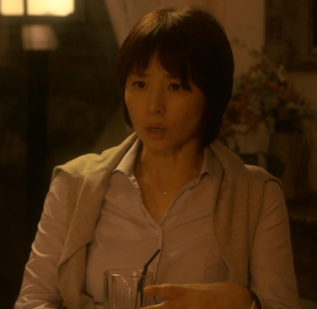 石田ゆり子 おっぱいキャプ・エロ画像4