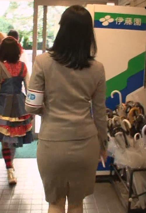 鷲見玲奈 タイトスカートキャプ・エロ画像3