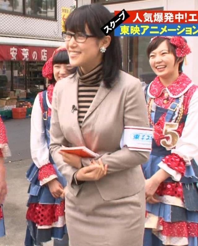 鷲見玲奈 タイトスカートキャプ・エロ画像5