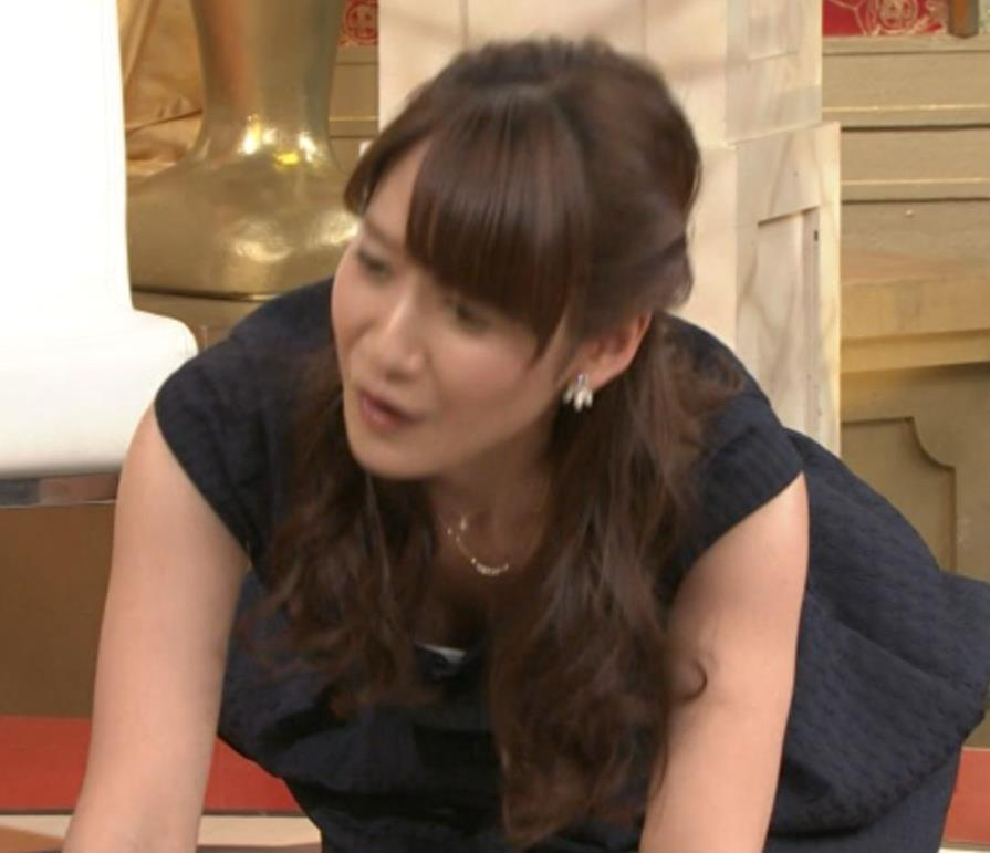 吉田明世 胸ちらキャプ・エロ画像5