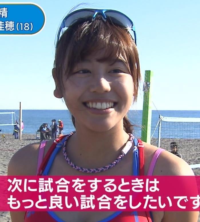 坂口佳穂 新たなビーチの妖精がかわいいキャプ・エロ画像8