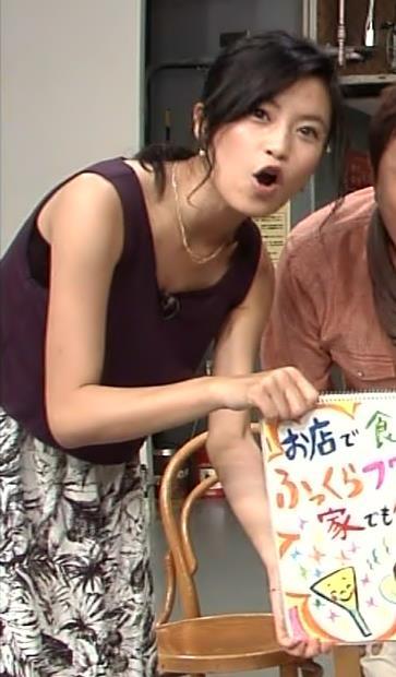 小島瑠璃子 胸ちらキャプ・エロ画像4