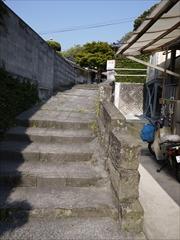 打込湯から階段