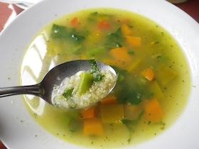 キヌアのスープ