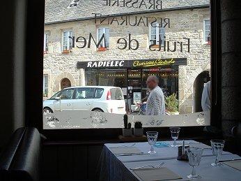 ロスコフ(Roscoff)レストラン Le Surcouf downsize