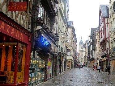 小雨の旧市街REVdownsize