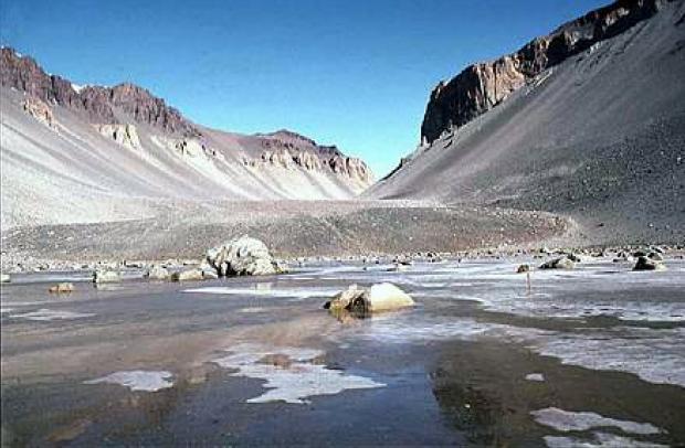 南極 ドライバレーのライト谷