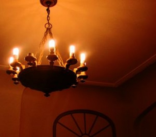 one-bulb-missing_2817654.jpg