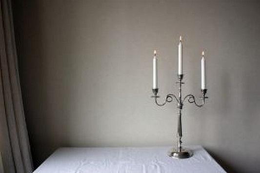 silver-chandelier_2592964.jpg