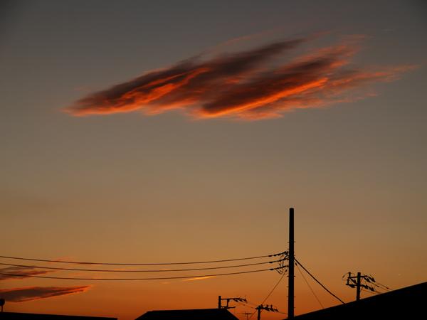 赤いきんとんみたいな雲