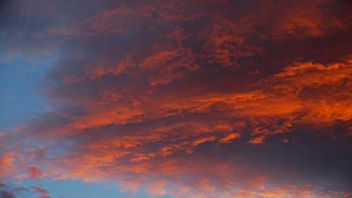 燃えそうな雲1