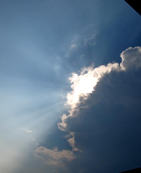 雲が光ってる・・・