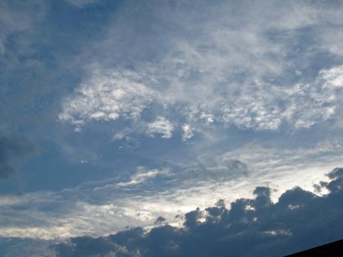 嵐が来る前の雲