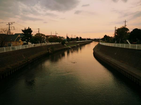 川は流れて