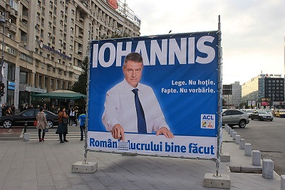 Klaus_Iohannis_campaign_in_Bucharest_2.jpg