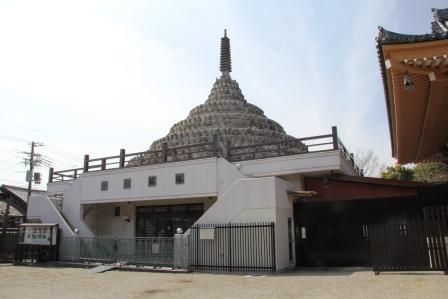 壬生寺の千体仏塔_H25.03.16撮影