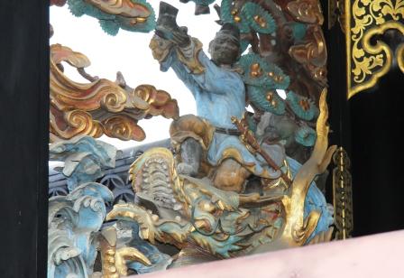 黄石公と張良の故事・龍に乗って靴を差しだす帳良_H25.06.16撮影