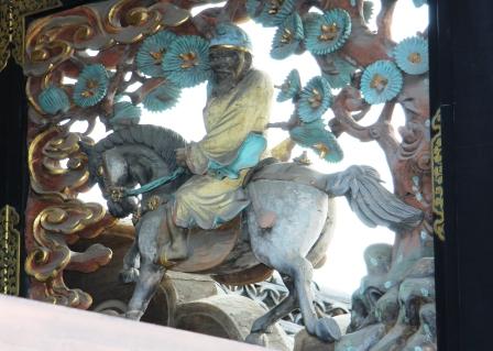 黄石公と張良の故事・裸足で馬に乗る黄石公_H25.06.16撮影