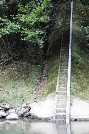 石段_H25.08.16撮影