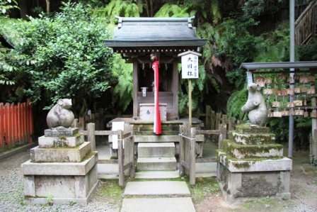 大豊神社の狛鼠_H25.08.16撮影